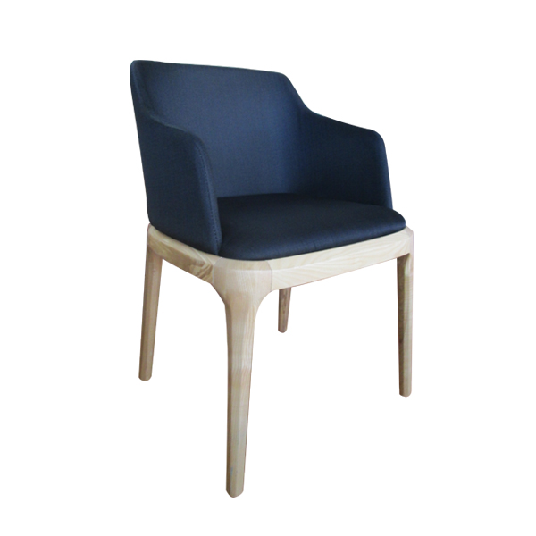 Koniak Chair Smooch Collection
